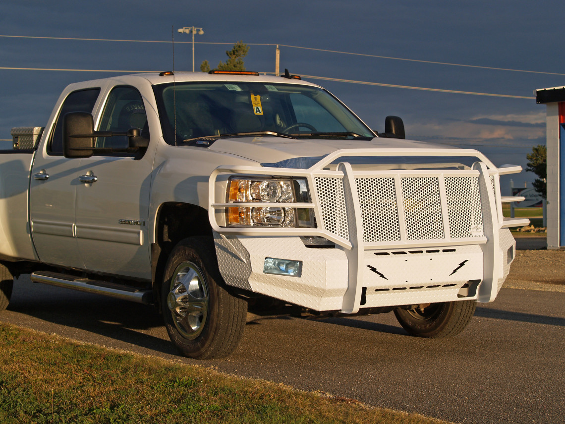 2007 2008 2009 2010 Chevy 2500 2500HD 3500 3500HD elite series front bumper replacement white steel aftermarket